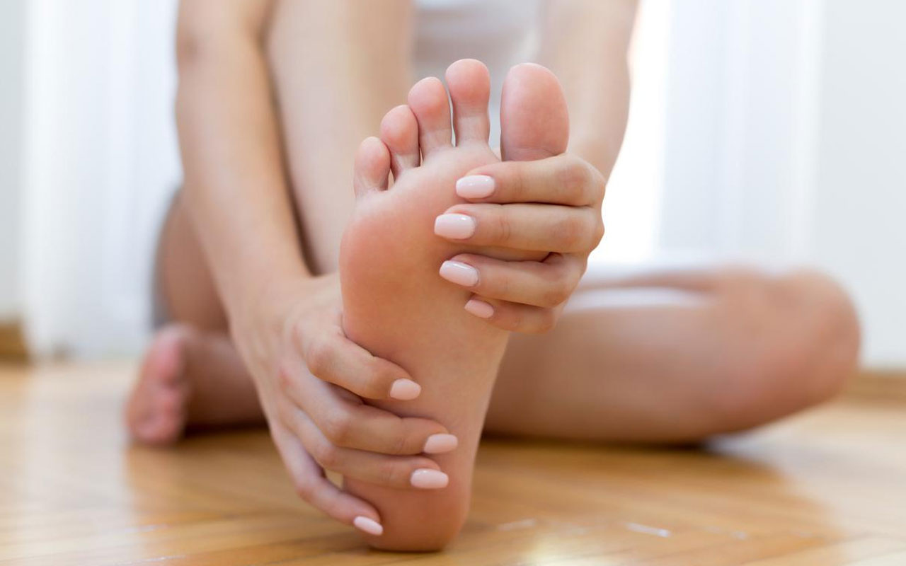 Topuk çatlaklarına ne iyi gelir evde tedavi edin!