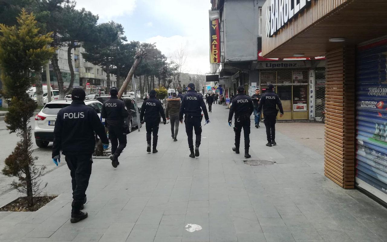 Bitlis polisi 'sosyal mesafeyi' mobeseden denetliyor