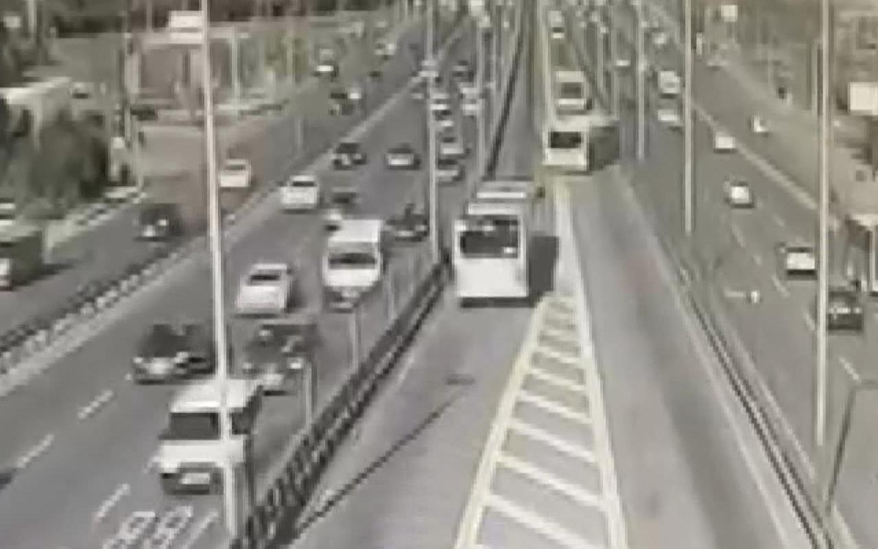 İstanbul Avcılar'daki metrobüs kazası böyle görüntülendi