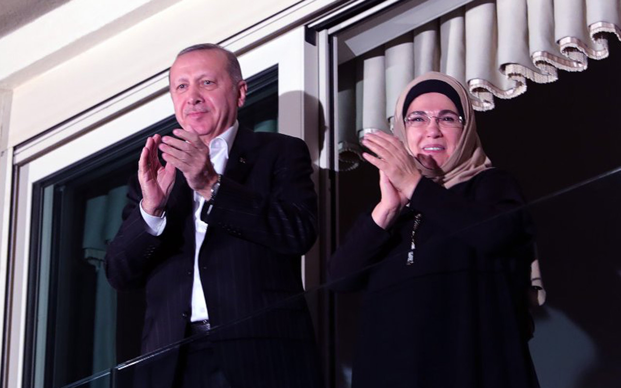 23 Nisan kutlamalarında bir ilk! O gün saat 21:00'de Erdoğan canlı ayında İstiklal Marşı okuyacak