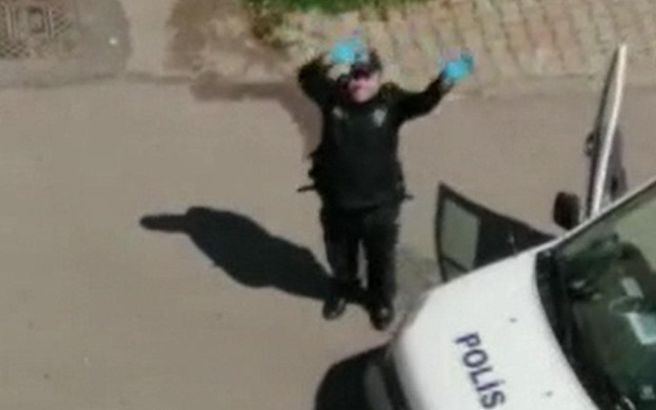 """İstanbul'da polis """"Baby Shark"""" dansı ile evde kalan çocuklara moral verdi"""