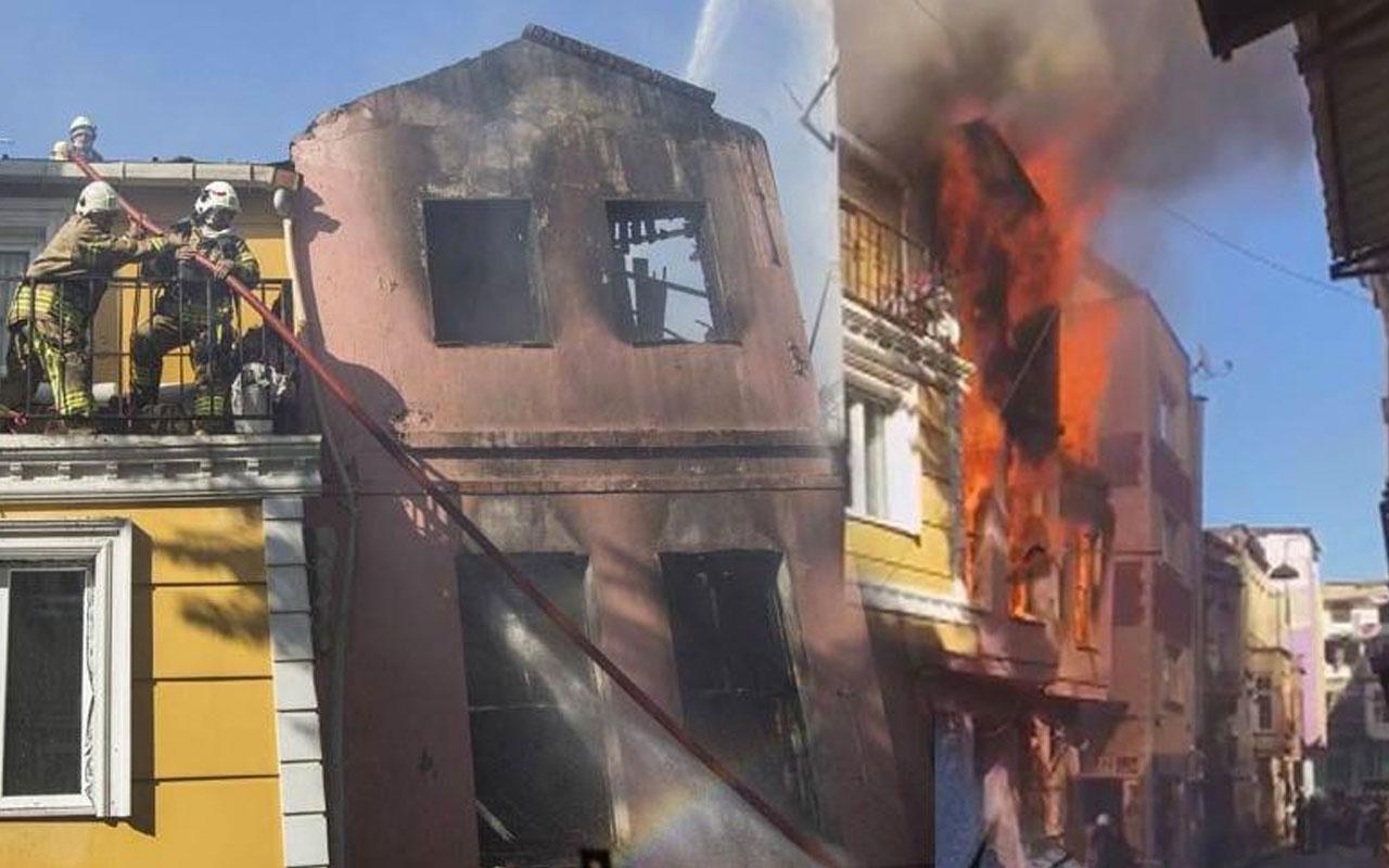Fatih Kumkapı'da ahşap bir binada yangın çıktı çok sayıda itfaiye sevk edildi