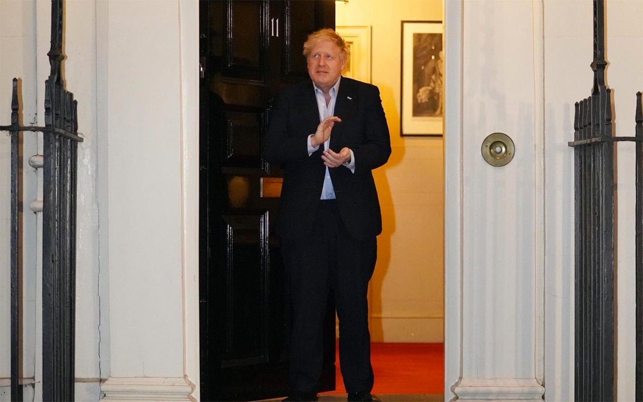 'Şahin' Boris Johnson coronavirüs kapınca 'güvercine' döndü
