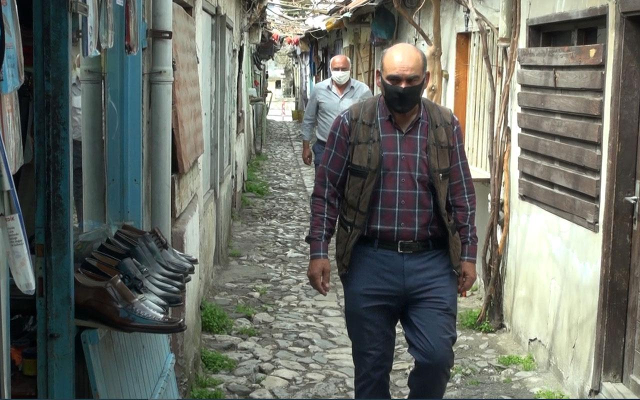Çorum'da dünyanın en dar sokağında sosyal mesafe kuralı ilginç görüntüler