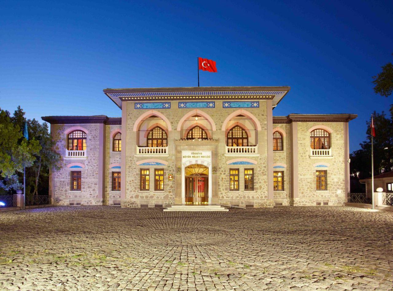 Meclis 100 yaşında! 23 Nisan Ulusal Egemenlik ve Çocuk Bayramı kutlu olsun