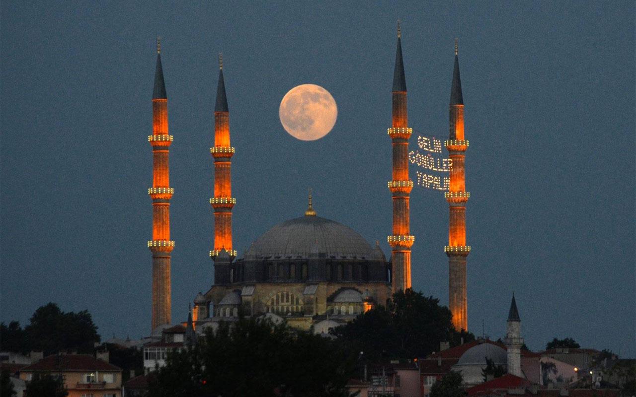 Bu sene oruç 15 saat 3 dakika! 2021 Diyanet Ramazan İmsakiyesi çıktı