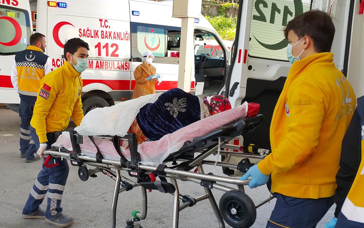 Bursa'da tartıştığı eşini otomobilde bıçakladı