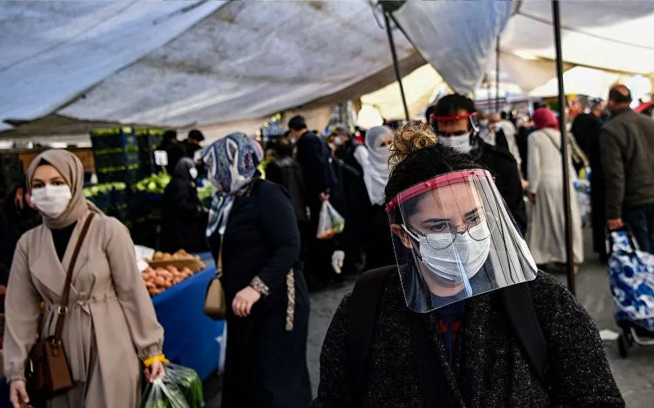 İstanbul'daki her 5 kişiden 1'i koronavirüs kaynaklı risk altında! Prof. Murat Şeker açıkladı