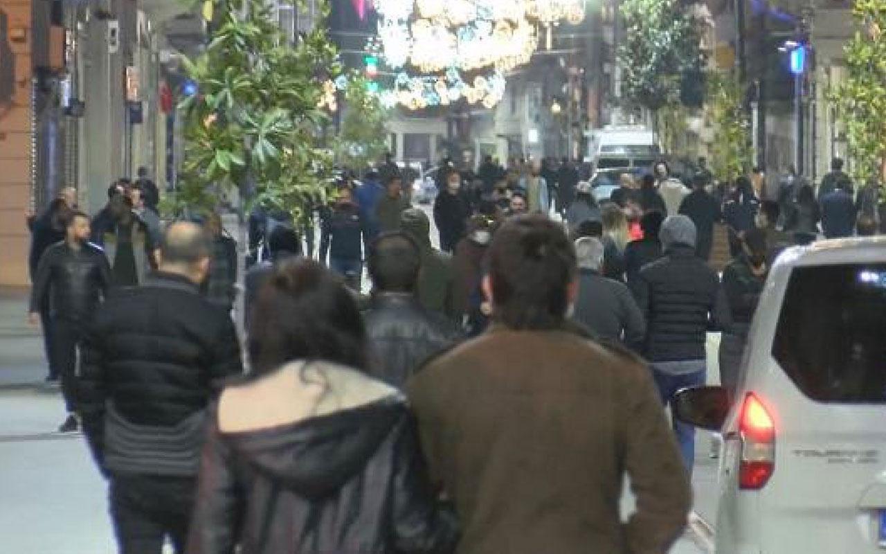 İstanbullular İstiklal Caddesi'ne akın etti