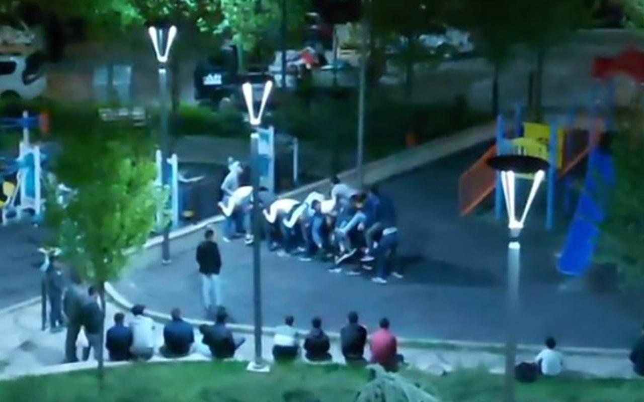 Ankara'da parkta 'Uzun eşek' oynayan 10 kişiye ceza yağmuru