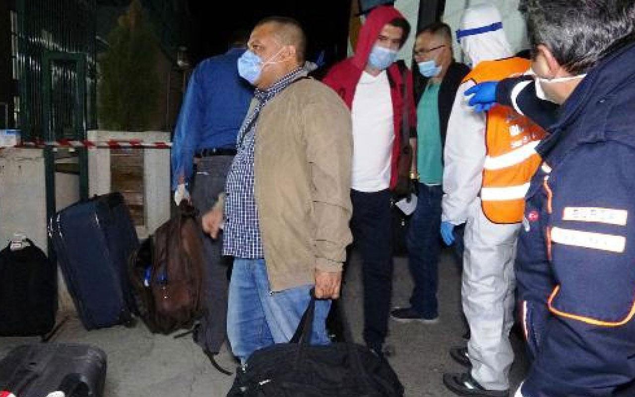 Yurt dışından getirilen iki Türkten farklı tepkiler! Rezillik