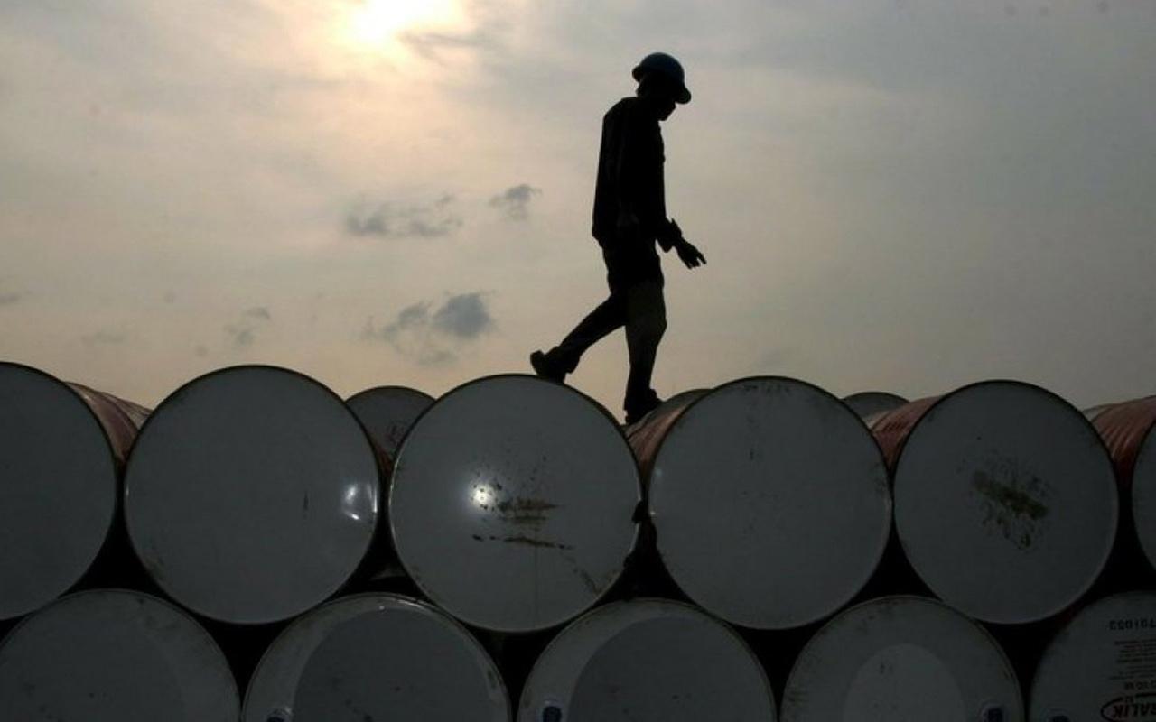 Brent petrolün varili 24,48 dolar seviyesin işlem görüyor