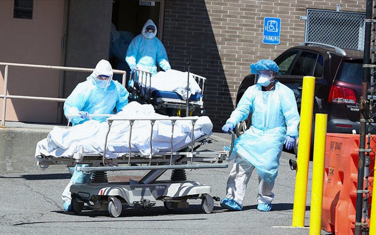 Dünyada koronavirüsten ölenler 230 bini aştı