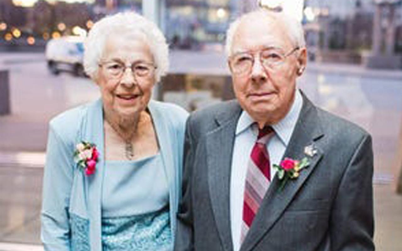 ABD'de 73 yıllık evli çift koronavirüsten öldü son sözleri 'Seni seviyorum' oldu
