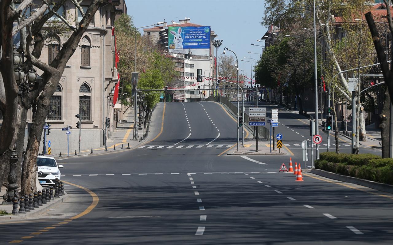 İYİ Partili Lütfü Türkkan: Kısmi sokağa çıkma yasakları gündeme getirilmeli