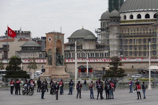 1 Mayıs İşçi Bayramı'nda Taksim Meydanı kapatıldı! Sadece onlar geçebiliyor