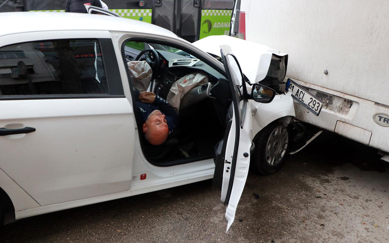 Adana'da kaza yapan alkollü sürücü! Allah Allah sokağa çıkmak yasak mıydı?