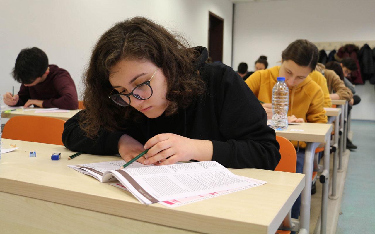 Üniversite adaylarına tavsiyeler: Evde maskeyle deneme sınavı çözün