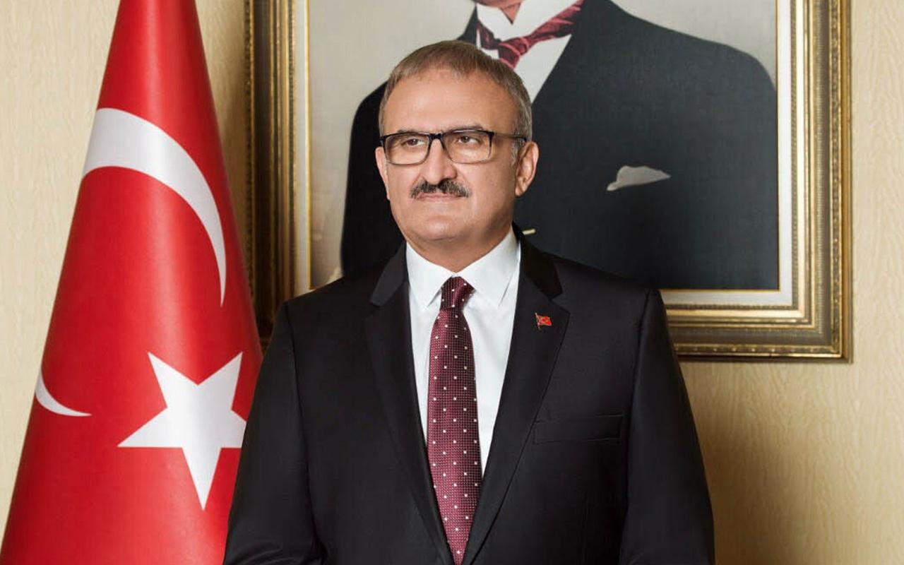 Antalya Valisi Münir Karaloğlu: Maske takmayı bırakan insanlar görüyorum