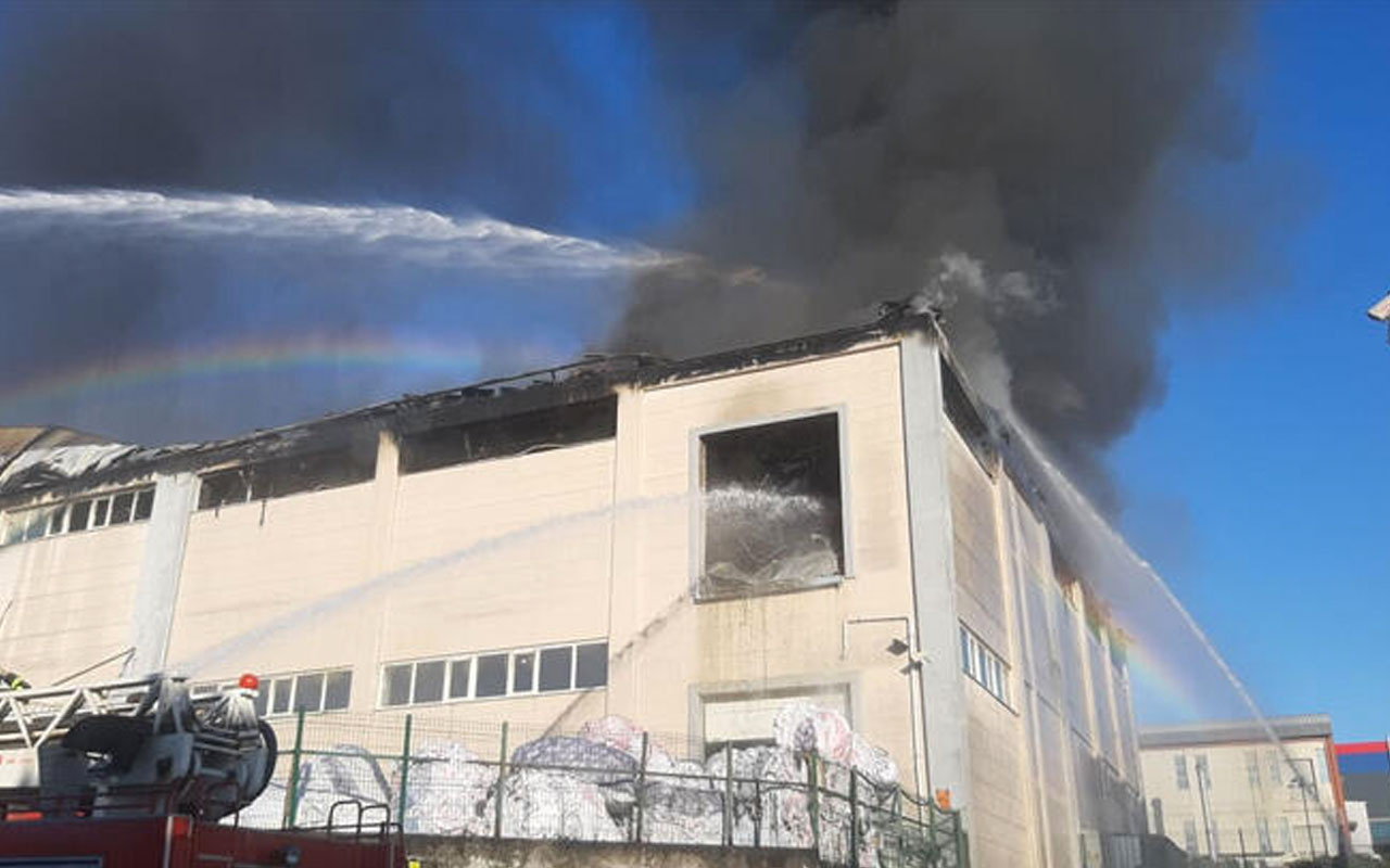 Son dakika Gebze'de korkutan fabrika yangını
