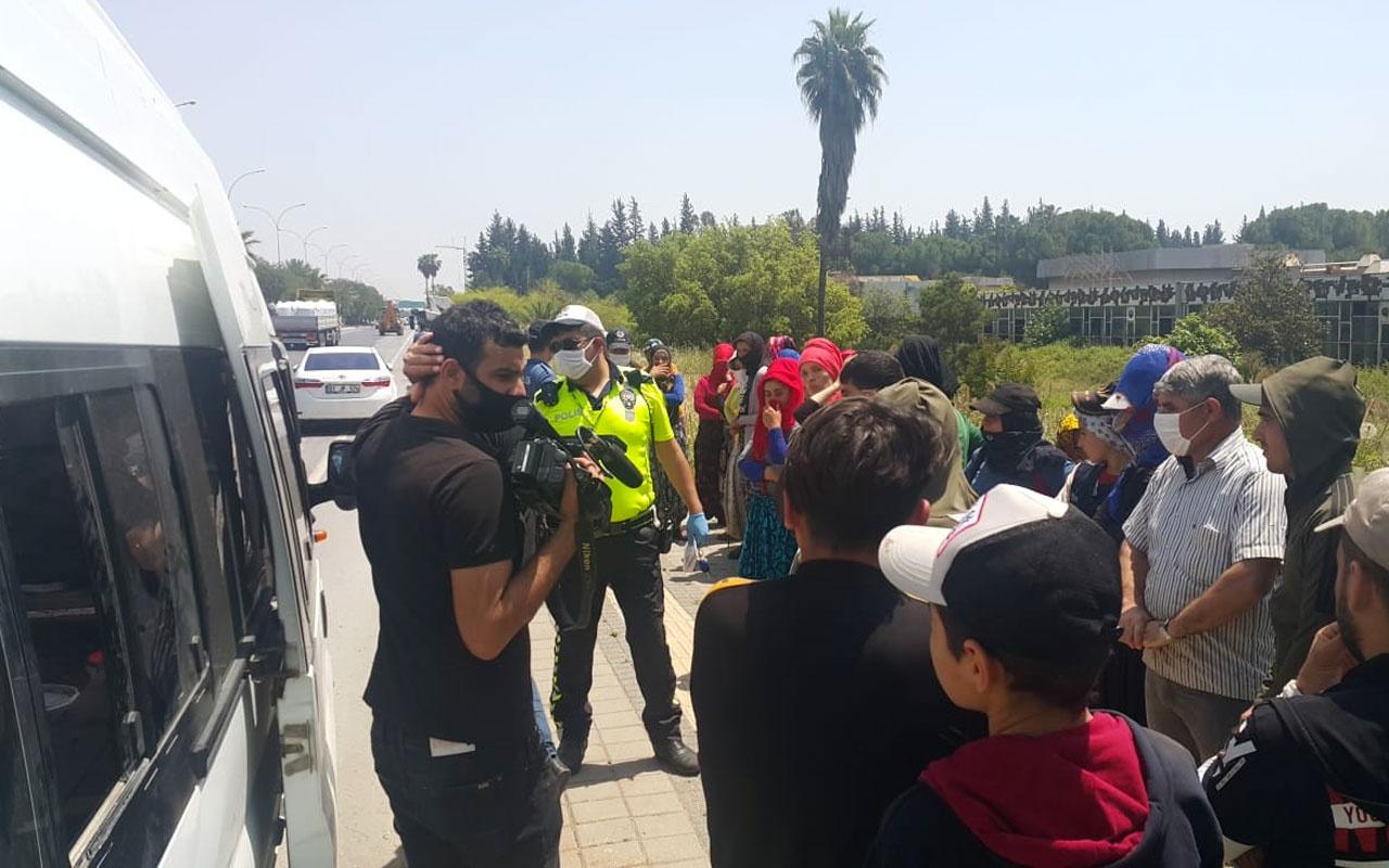 Adana'da 14 kişilik araçtan 35 kişi çıktı