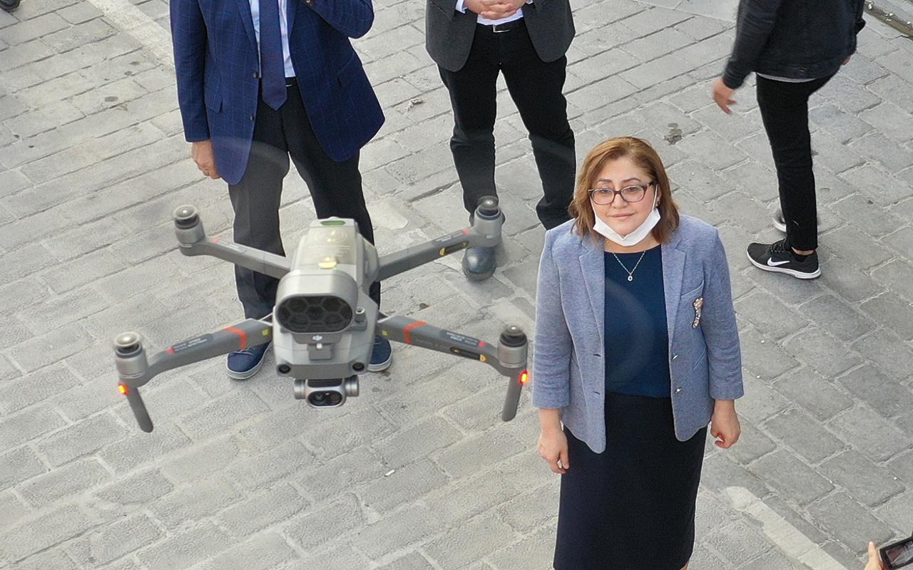 Sosyal mesafe ve maske uyarı drone'ları Gaziantep caddelerinde