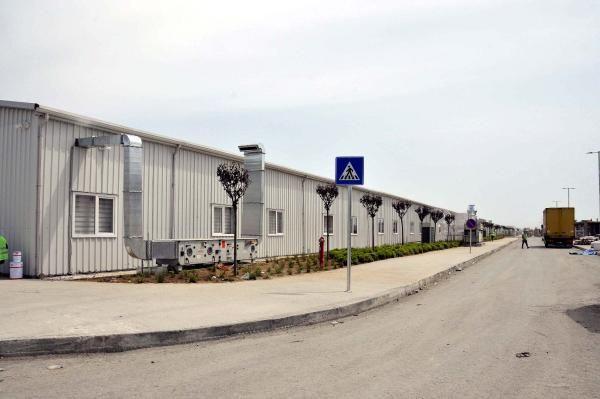Atatürk havalimanı alanına yapılan Yeşilköy pandemi hastanesinin tabelası asıldı