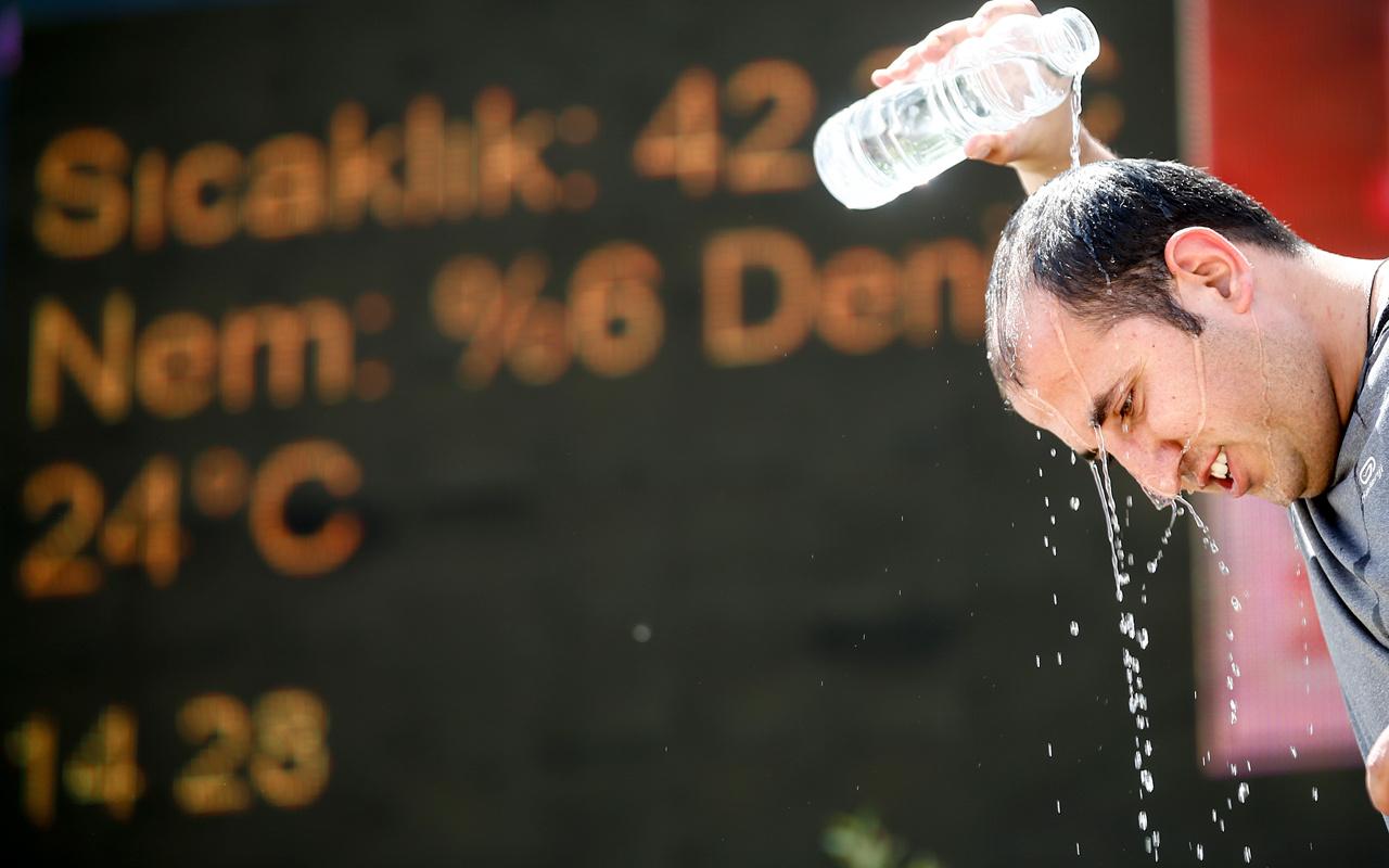 Termometreler 47 dereceyi gördü! Meteoroloji söyledi 91 yıllık rekor
