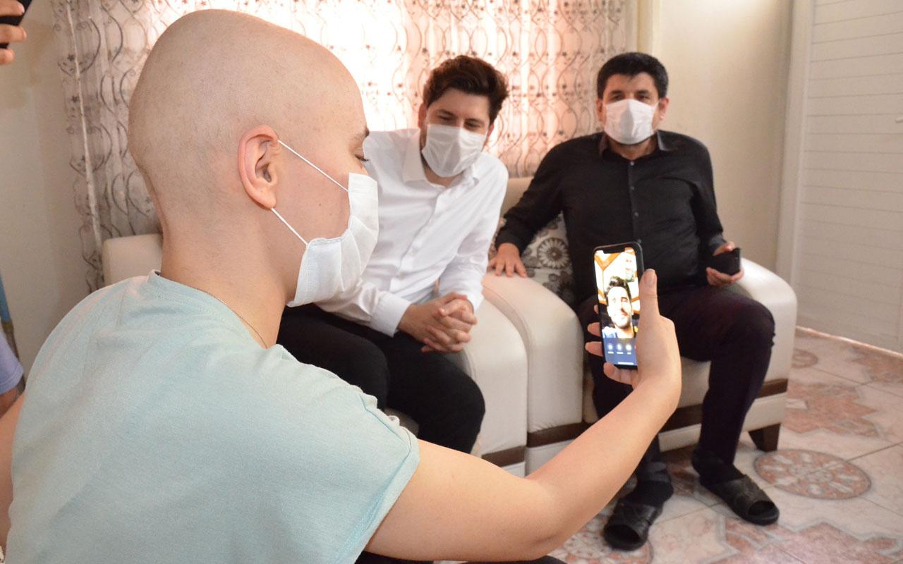 Mersin'de kanser hastası Ayyüce Alper Potuk'la görüştü