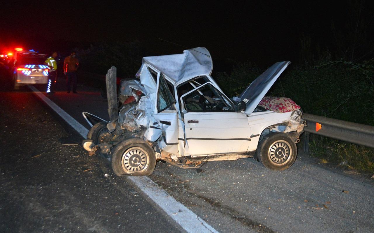 Adana'da TIR otomobile çarptı: 1 ölü, 4 yaralı
