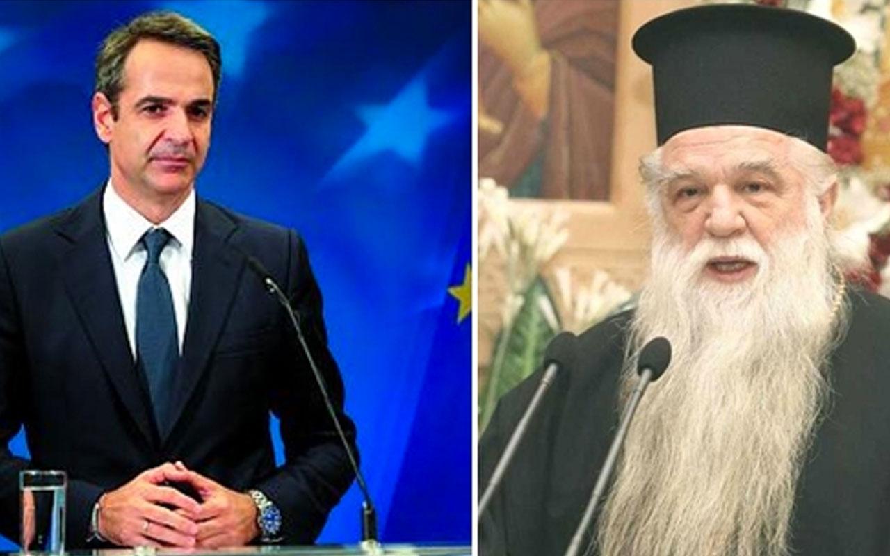 Yunanistan'da ünlü papaz Başbakan Miçotakis ve 2 bakanını dinden afaroz etti!