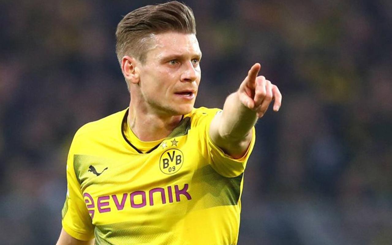 Lukasz Piszczek Borussia Dortmund ile 10 yılı devirdi