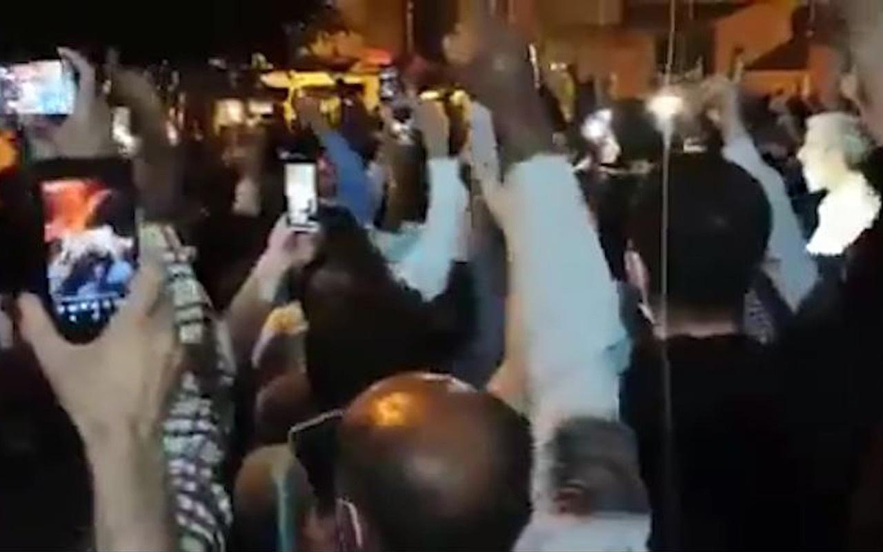 Furkan Vakfı üyeleri yasağa rağmen sokağa çıkıp protesto etti