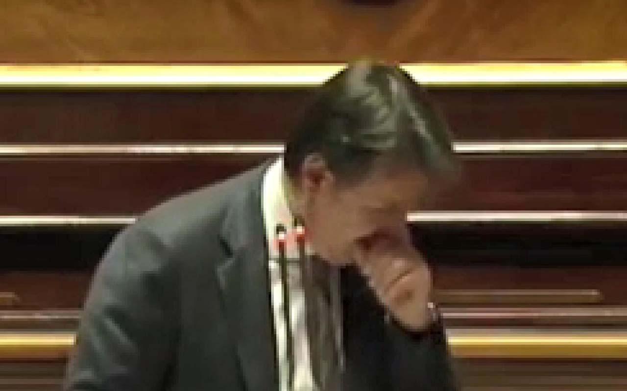 İtalya Başbakanı Guiseppe Conte korkuttu! Parlamentoda öksürük krizine girdi