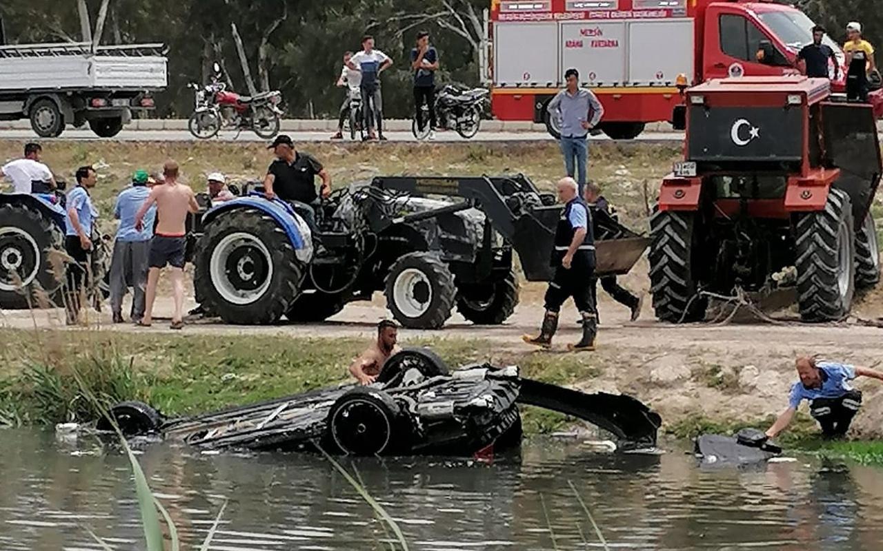 Mersin'de dereye uçan otomobilde 3 kişi boğularak can verdi