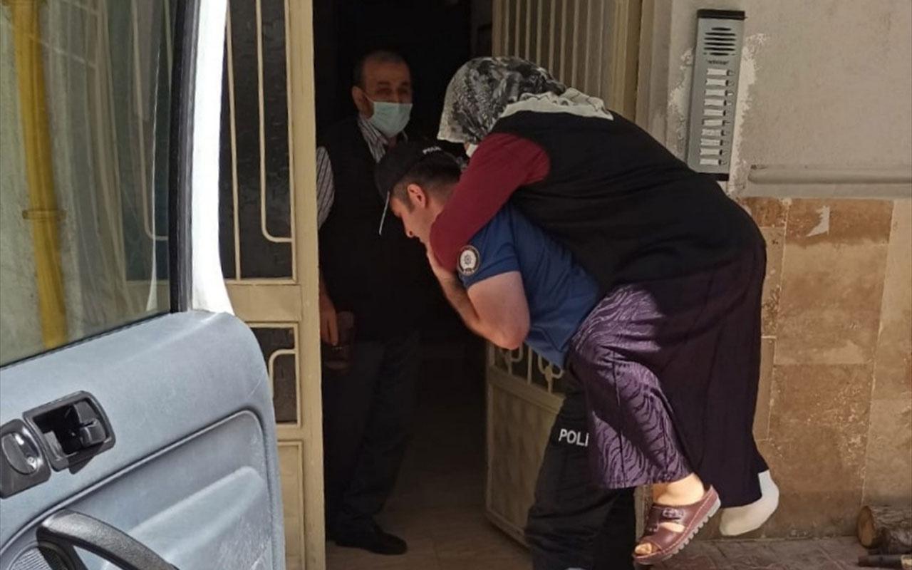 Tokat'ta polisler yürüyemeyen kadını sırtlarında hastaneye taşıdı