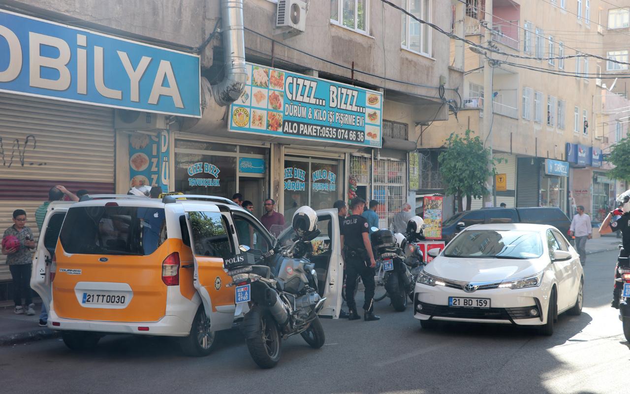 Diyarbakır'da dur ihtarına uymayıp polise ateş açtı: 1 şehit var
