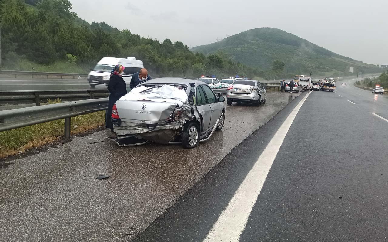 TEM'de zincirleme kaza 25 araç birbirine girdi