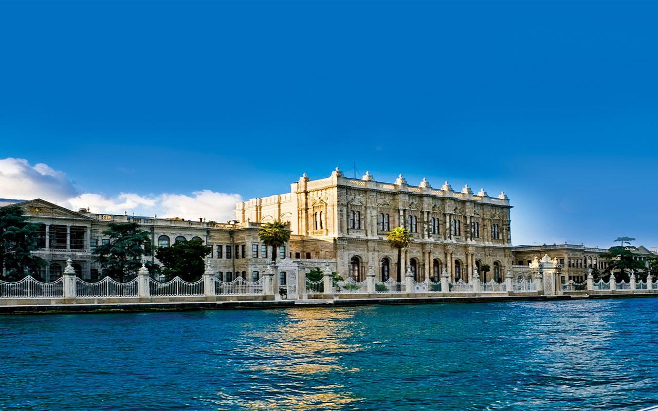 Beylerbeyi ve Dolmabahçe sarayları 76 günün ardından ziyarete açıldı