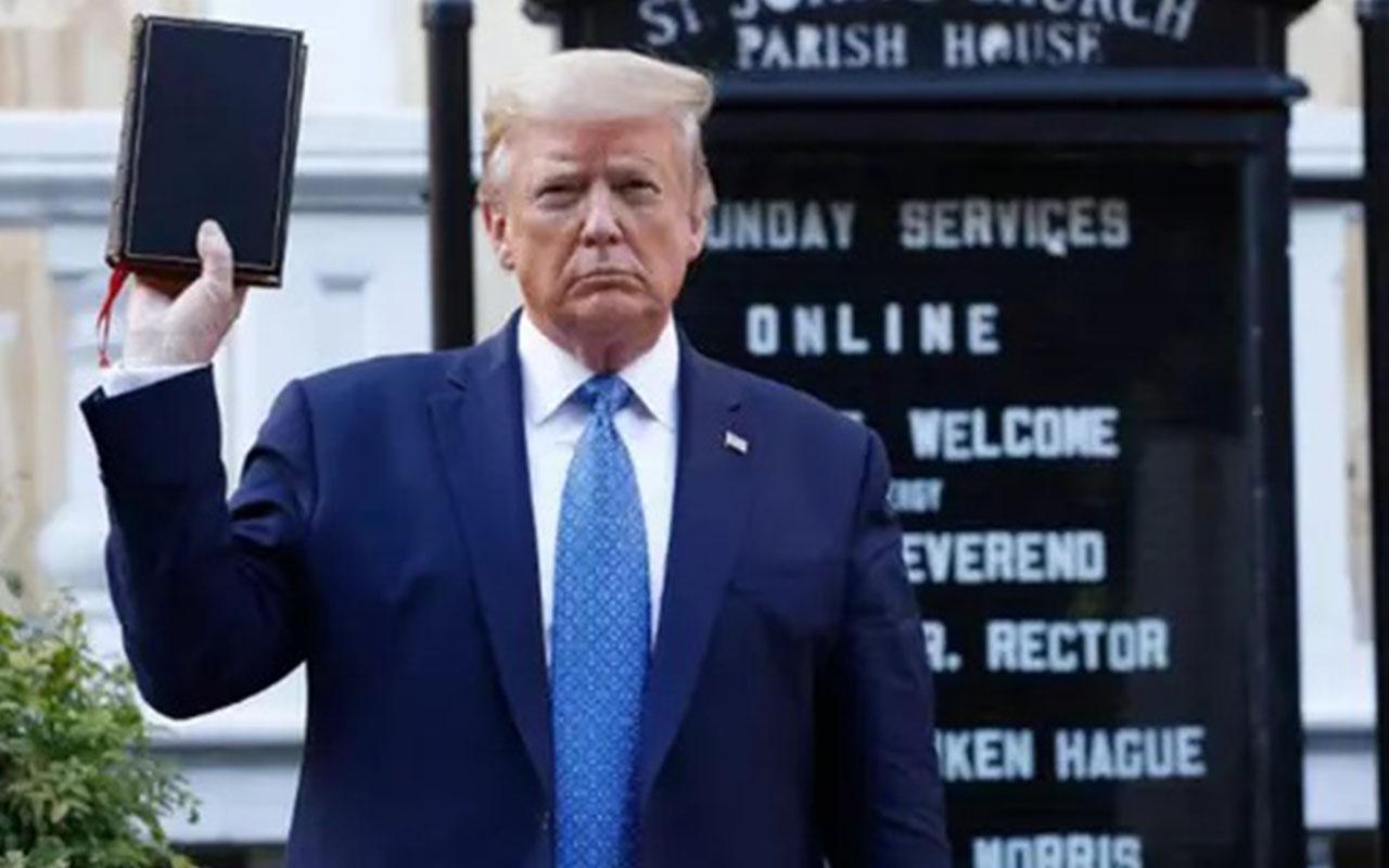 Donald Trump'tan flaş hamle: Önce biber gazı sıktırdı İncil ile sonra poz verdi