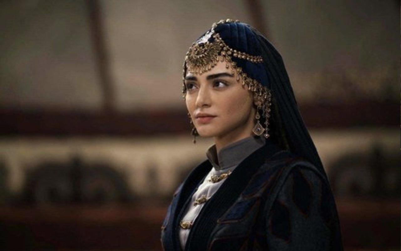 Bala Hatun rolünü oynayan kimdir Kuruluş Osman'ın eşi  Bala Hatun kimdir?
