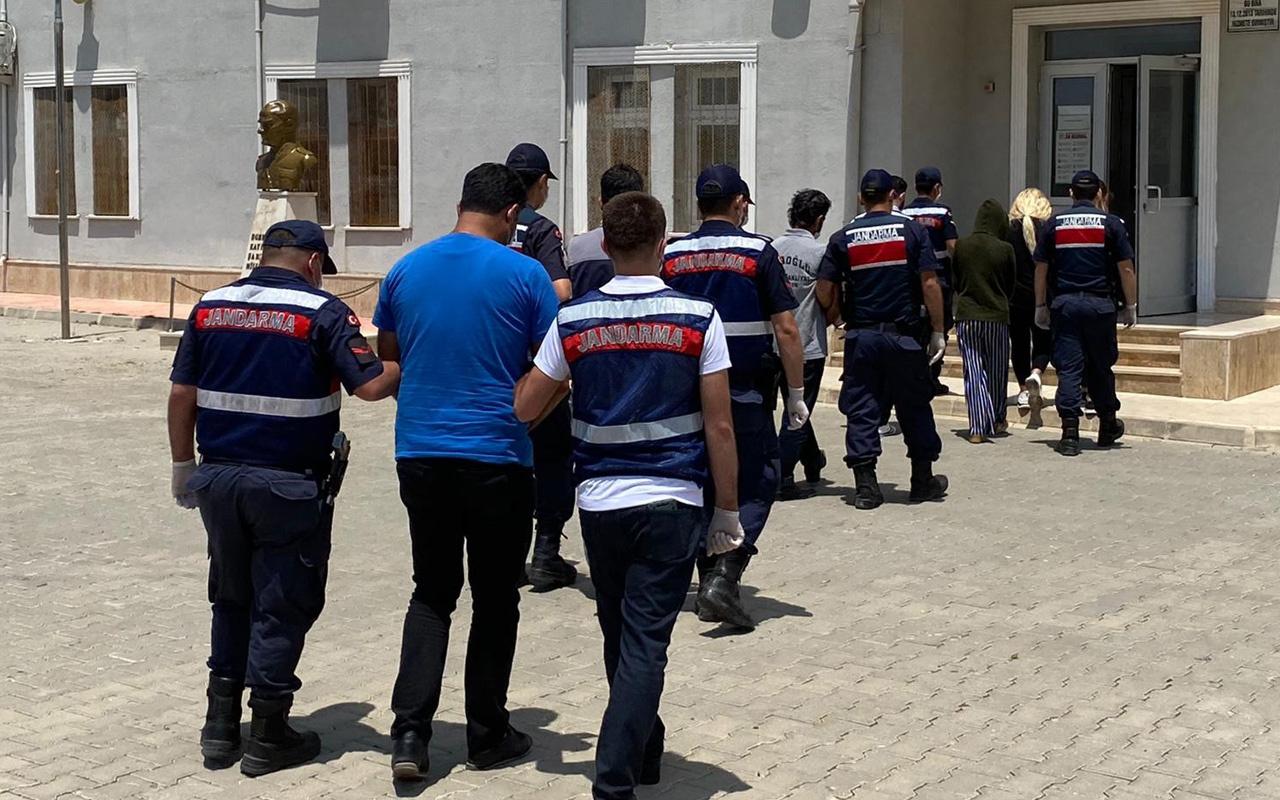Mersin'de fuhuş operasyonunda 9 kişi gözaltına alındı