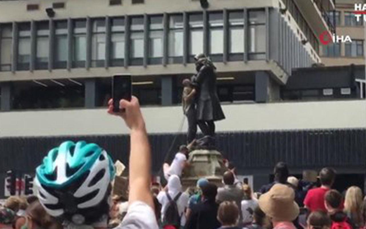 İngiltere'de protestocular köle tüccarının heykelini yıktı