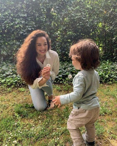 Dünya güzeli Azra Akın'dan yeni proje müjdesi setlere geri dönüyor