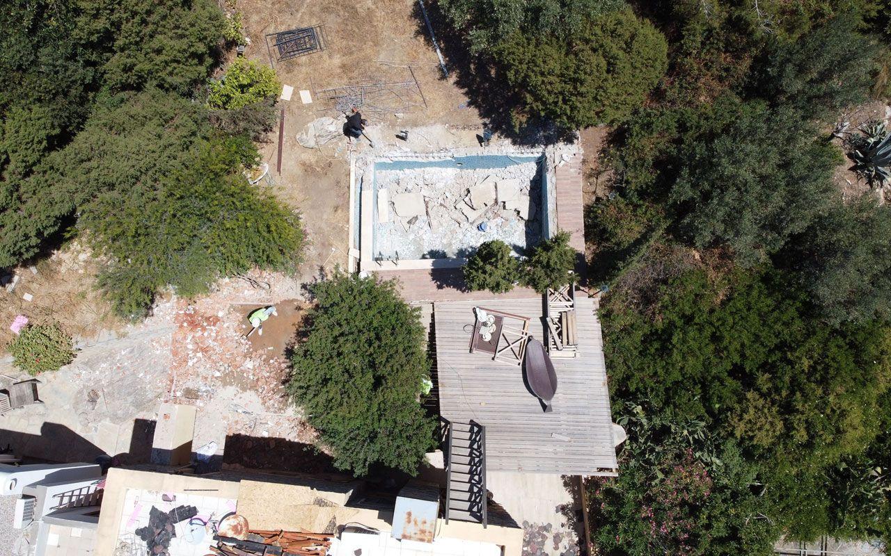 FETÖ firarisi Can Dündar'ın Bodrum'daki kaçak villasında yıkım işlemi devam ediyor