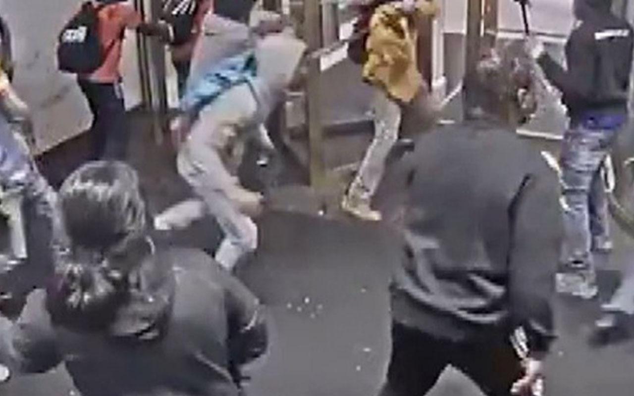 ABD'de protestocuların mağazayı yağmalama anları kamerada