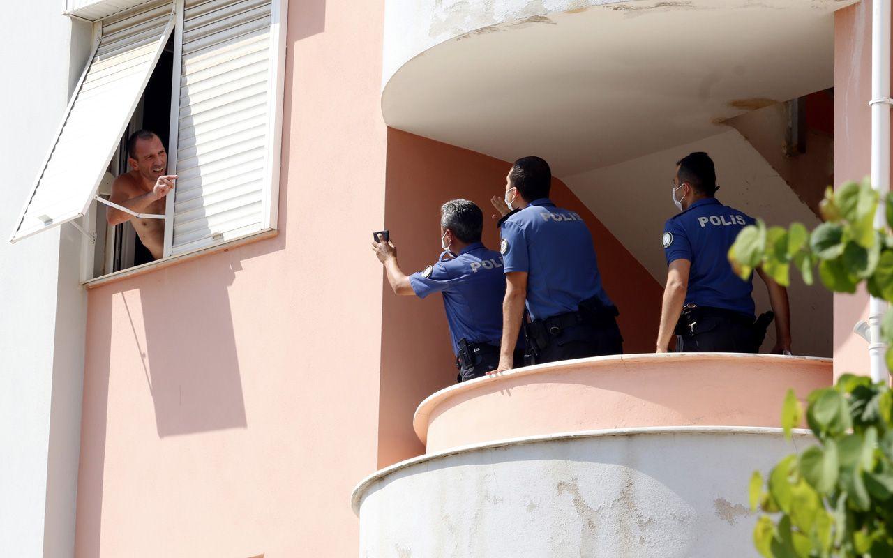 Antalya'da pencereden ne var ne yok attı Özel Harekat etkisiz hale getirdi