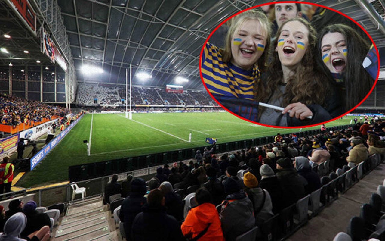 Yeni Zelanda'da sosyal mesafe hiçe sayıldı ve 20 bini aşkın seyirci maça alındı