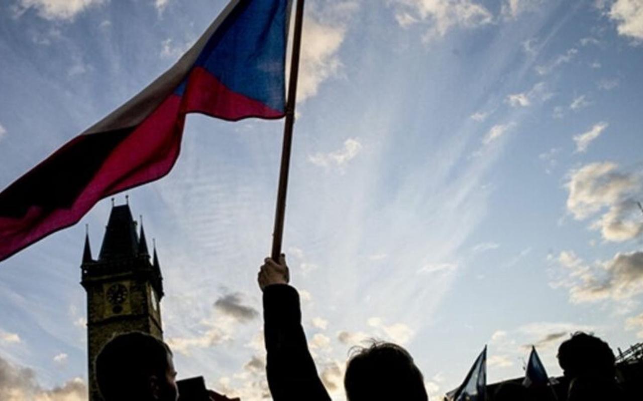 Rusya'dan Çekya'ya gözdağı: Buna göz yummayız