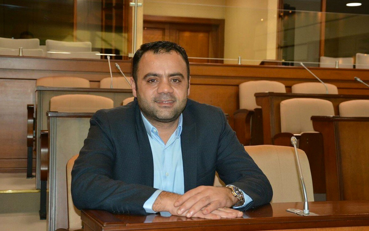 CHP'li İBB meclisi üyesi Nadir Ataman'ın kaçak yapısı yıkıldı